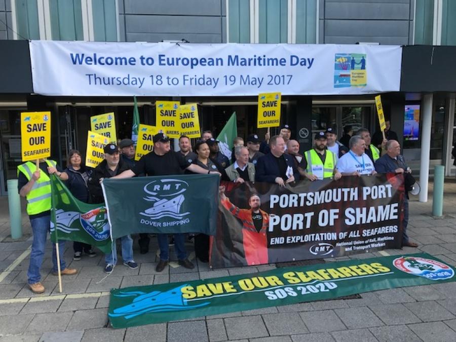 Британские профсоюзы выступили в защиту национального рынка труда